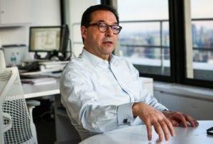 Revlon CEO Steps Down
